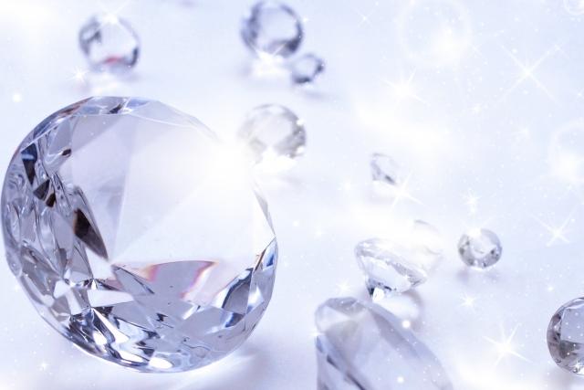 光るダイヤモンド
